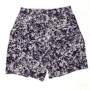 Men Lululemon Sz L, Black/ White Print, Gym Shorts
